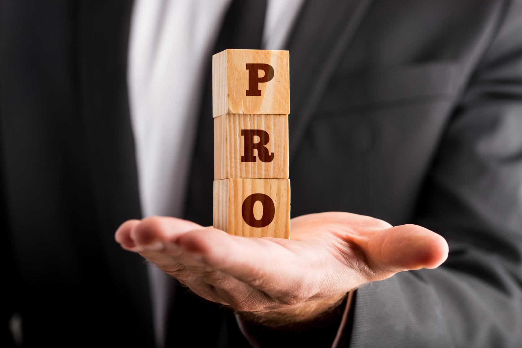 Quel professionnel contacter pour vendre votre bien immobilier ?