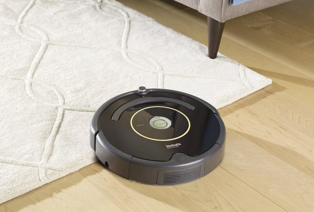 Différence entre un robot aspirateur classique et un robot aspirateur laveur
